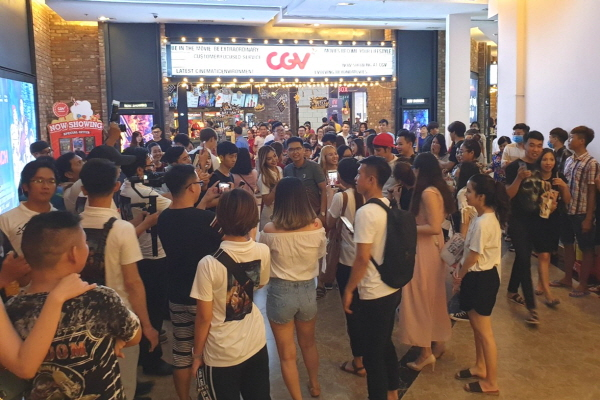 [크기변환]베트남 껀떠(Can Tho)에 위치한 CGV센스 시티(Sense city) 극장 로비 전경.JPG
