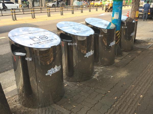 [크기변환]사본 -대로변 재활용품 분리수거함 설치.jpg